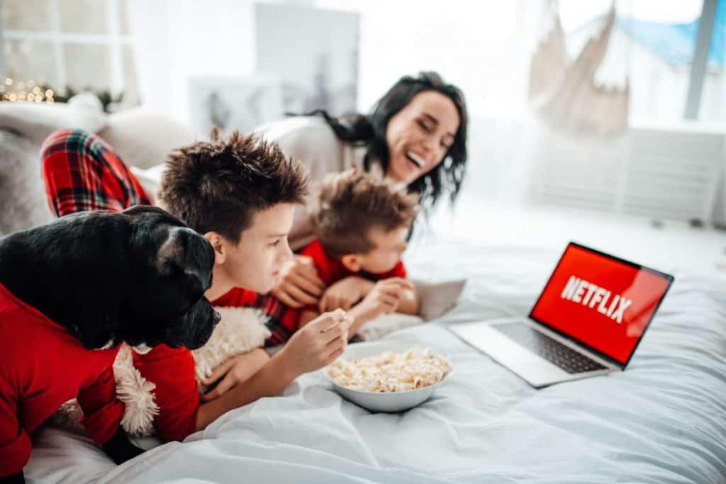 Le géant du streaming Netflix étend sa présence en matière de podcasts.